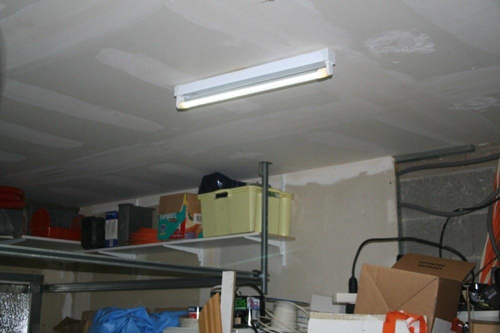 Clairage sans lectricit garage id e de luminaire et for Luminaire de garage