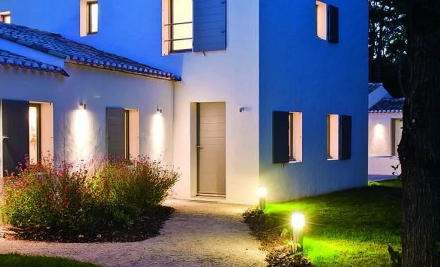Eclairage facade exterieur id e de luminaire et lampe maison - Luminaire escalier maison ...