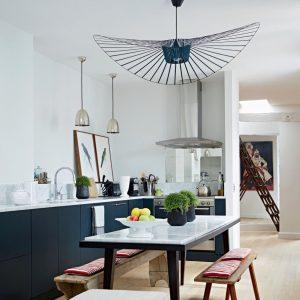 lustre noir moderne id e de luminaire et lampe maison. Black Bedroom Furniture Sets. Home Design Ideas