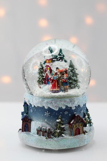 Boule de noel à neige