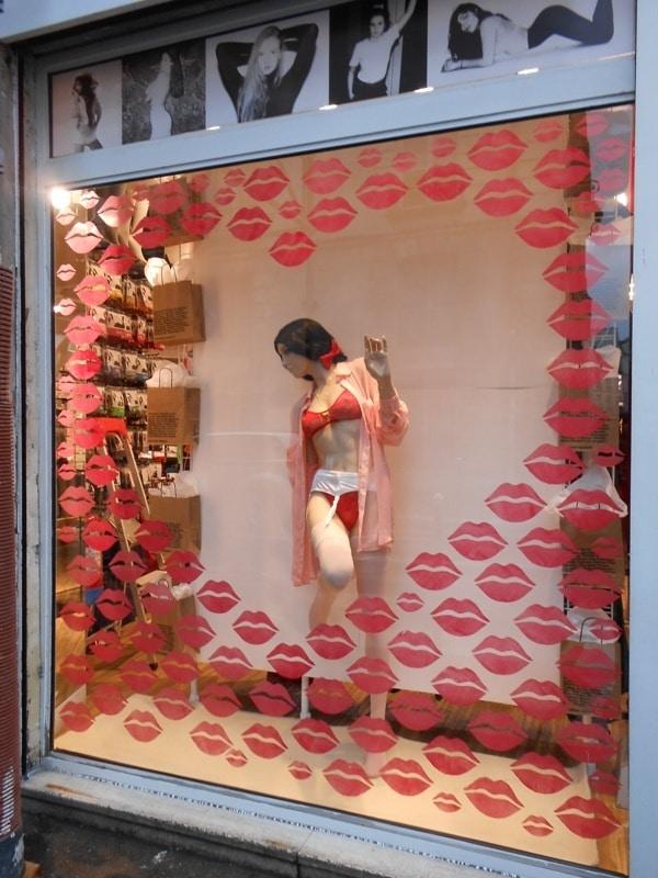 Decoration vitrine noel boutique