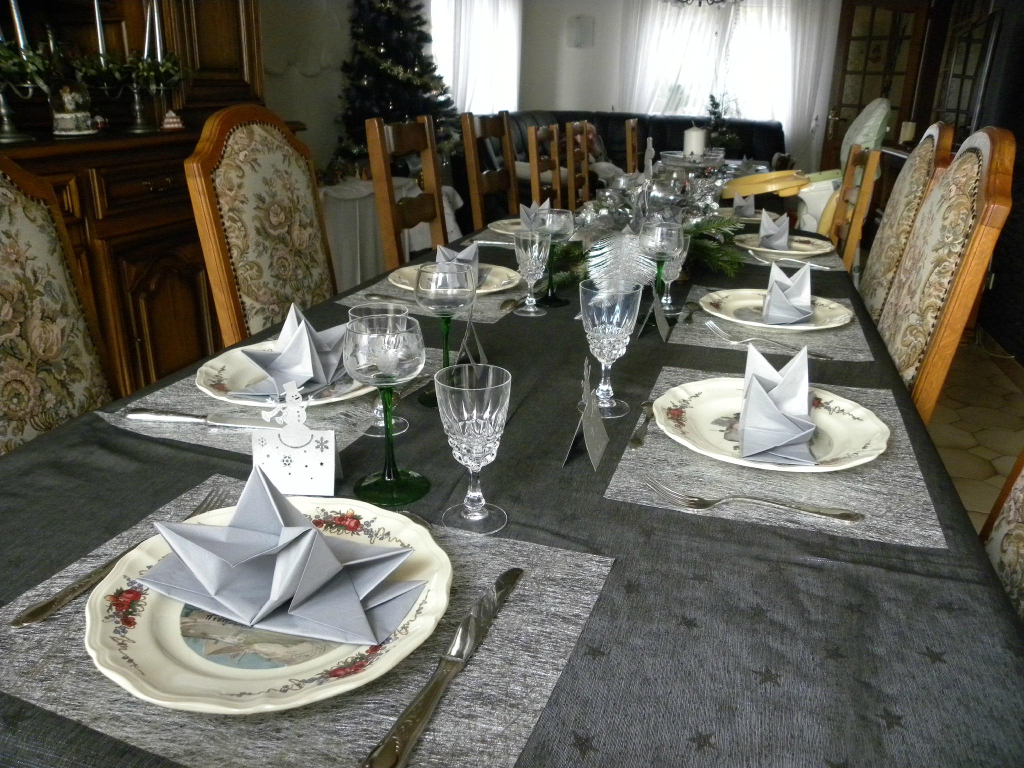 Décoration table noel blanc argent