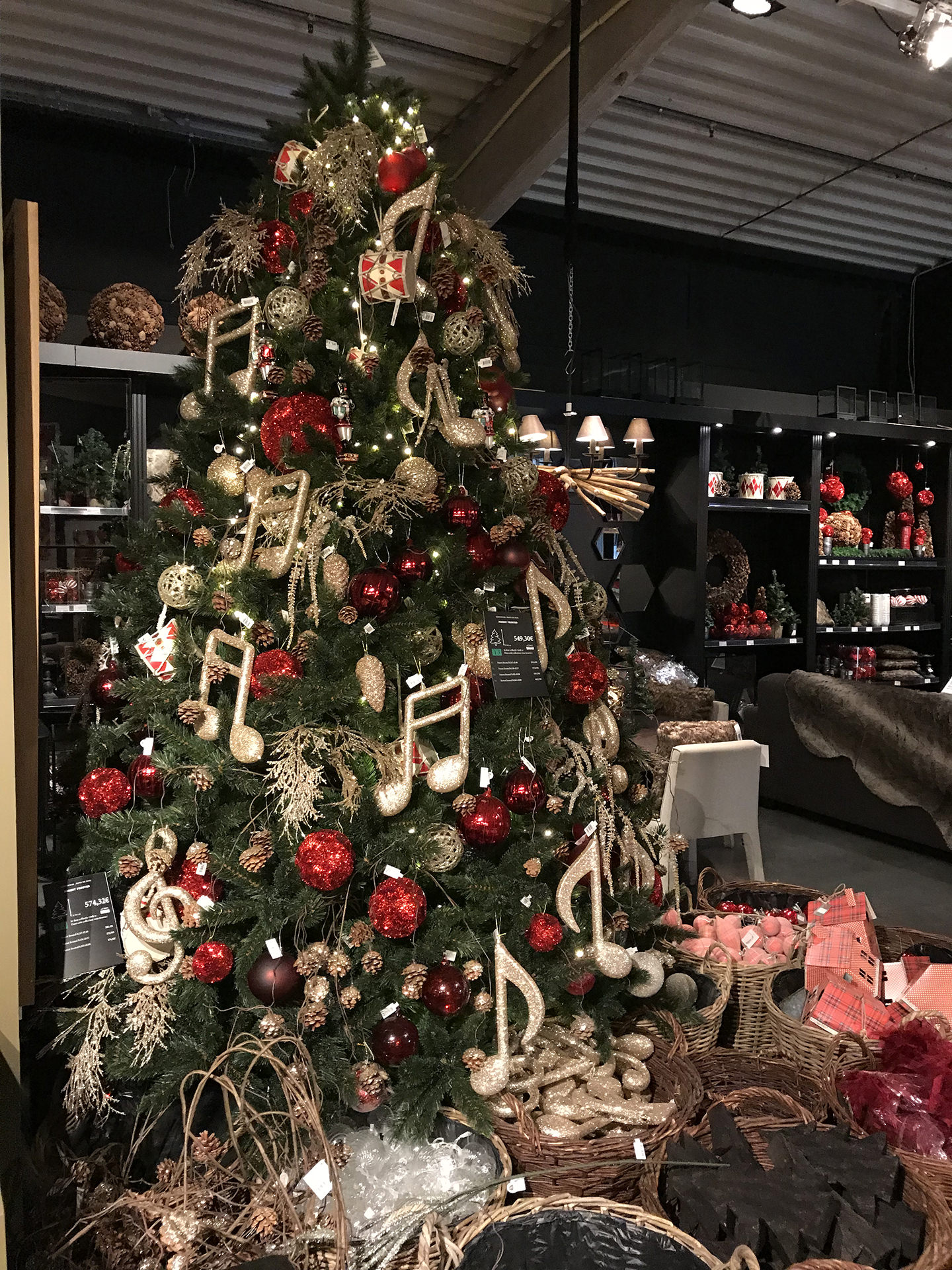 Magasin decoration noel toulouse