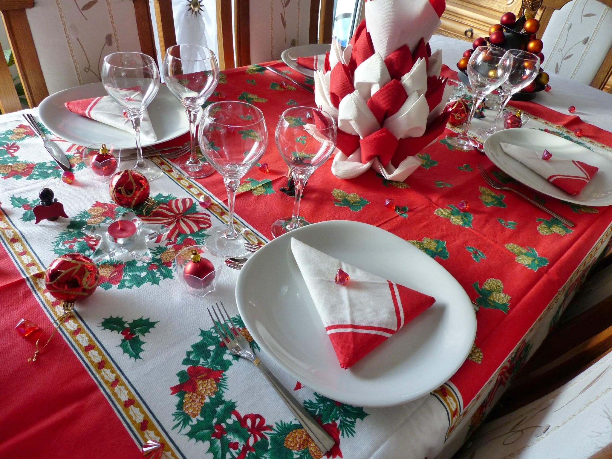 Décoration table noel vert et blanc - Idée de luminaire et lampe maison
