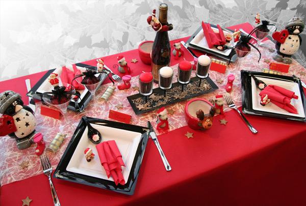 Deco De Table Noel Rouge Et Noir Idee De Luminaire Et Lampe Maison