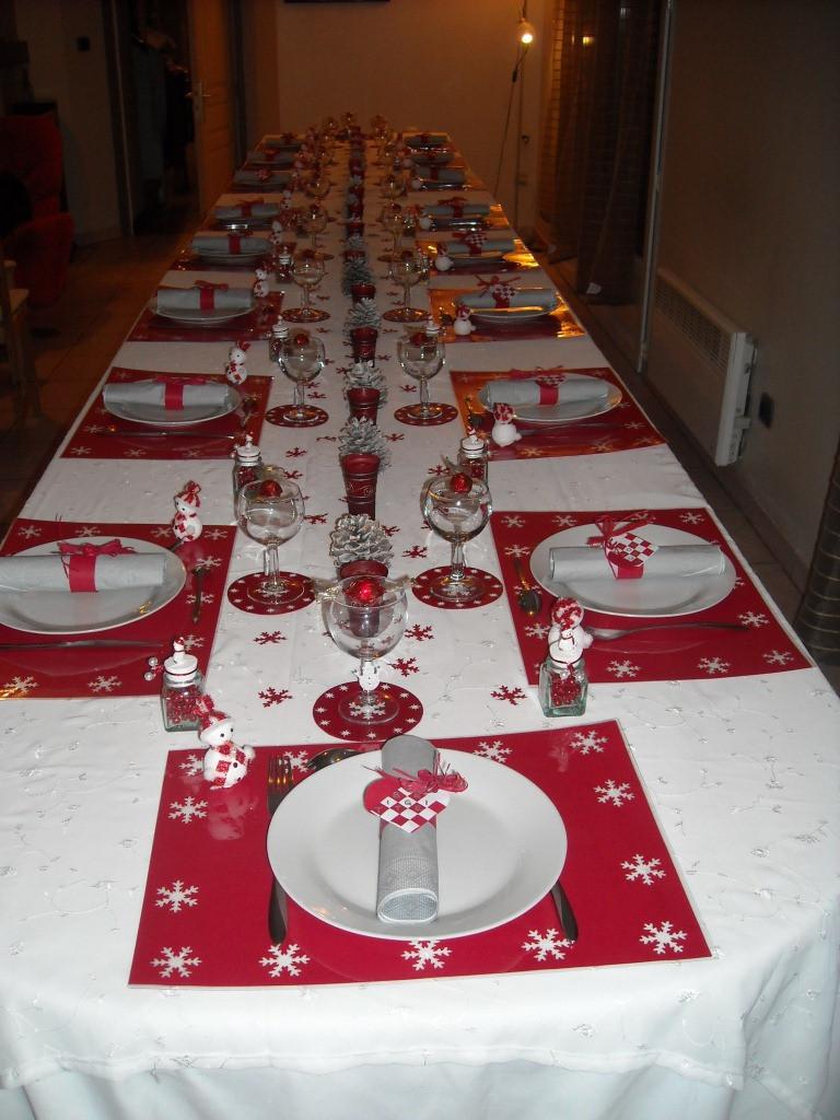 Deco noel rouge blanc table - Idée de luminaire et lampe maison