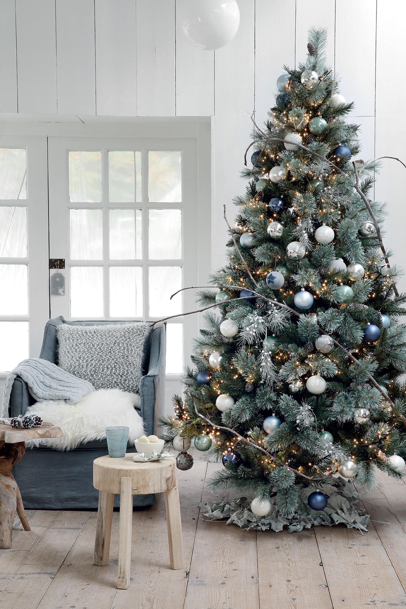 Maison decoration noel la reine des neiges