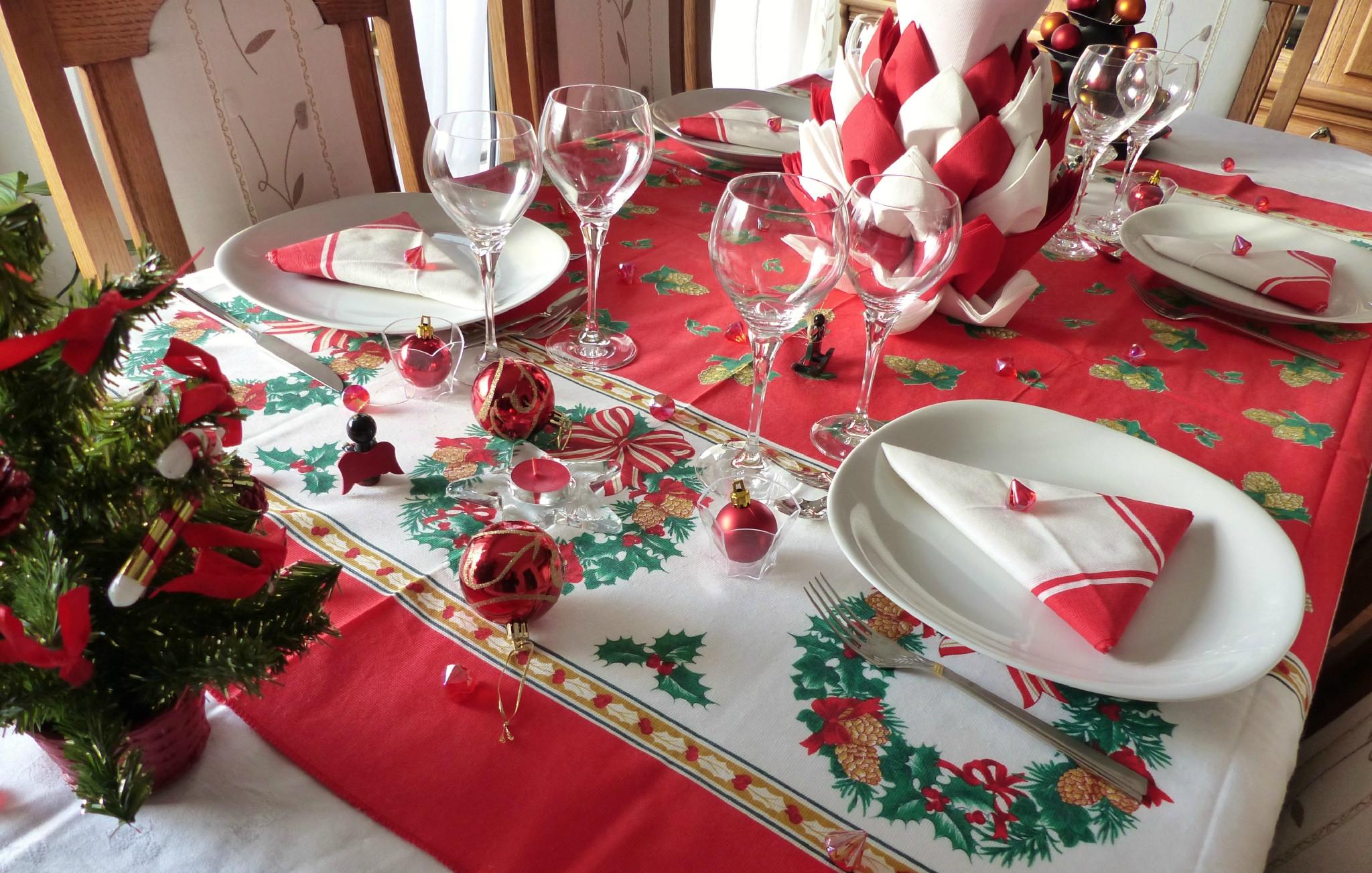 Decoration Noel Rouge Et Blanc Gifi Idée De Luminaire Et Lampe Maison