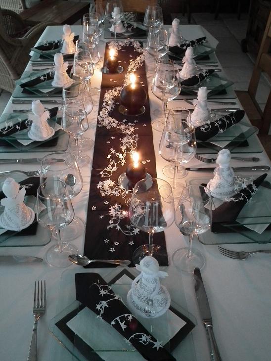 Deco table noel noir argent blanc