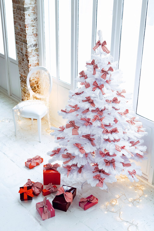 Decoration sapin noel blanc rouge - Idée de luminaire et lampe maison