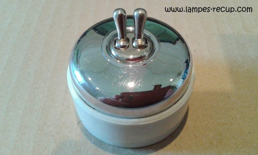 Interrupteur double allumage pour lampe de chevet