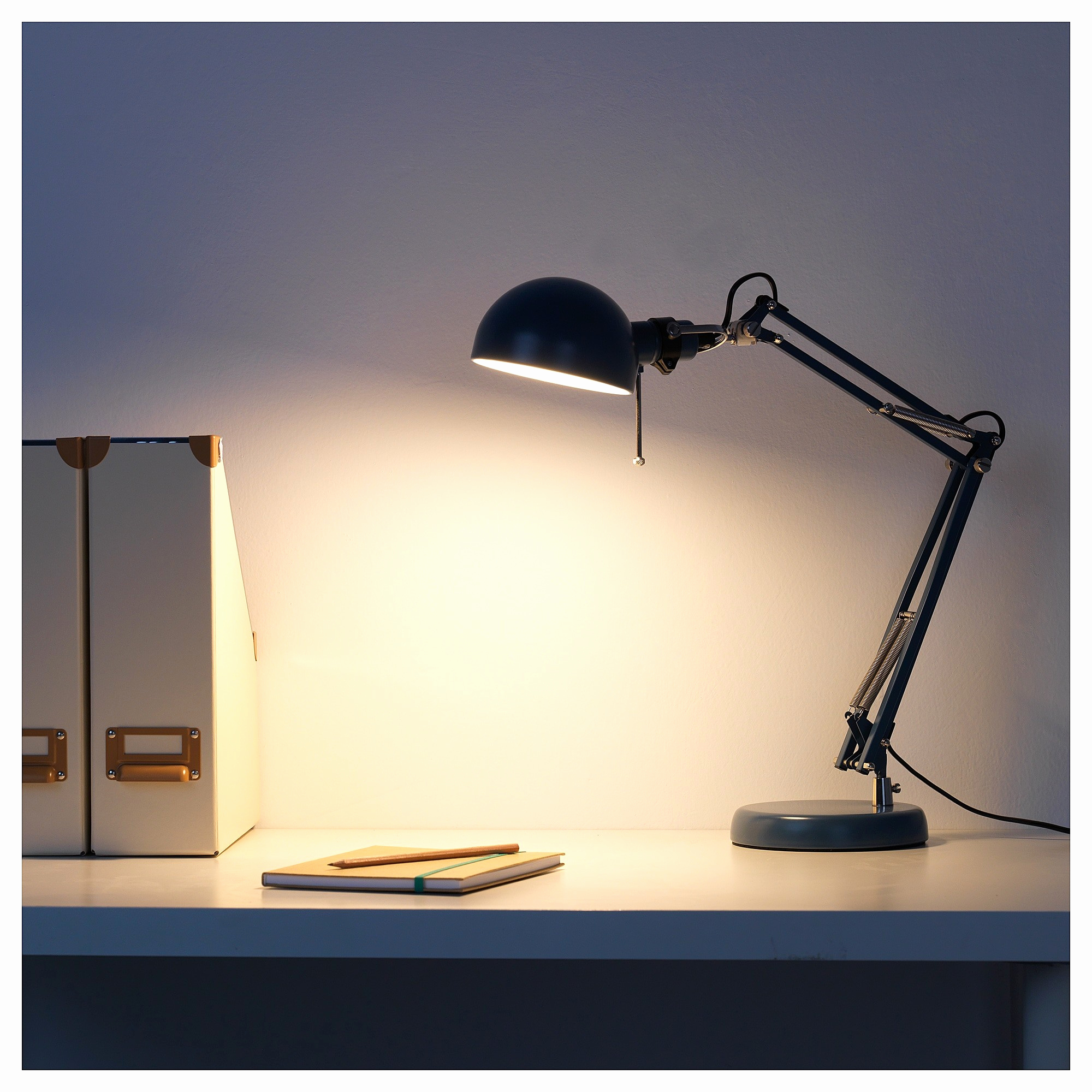 lampe de bureau led design ikea id e de luminaire et. Black Bedroom Furniture Sets. Home Design Ideas